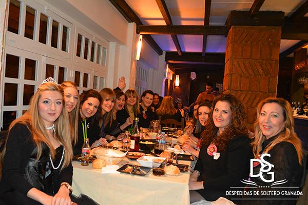 Cena de despedida de soltera en Jaleo Granada