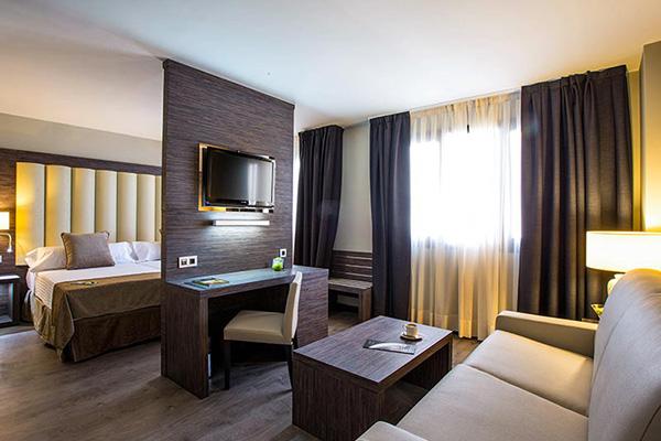 Hotel 4* Granada habitación