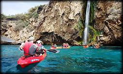 Kayak en costa de Granada